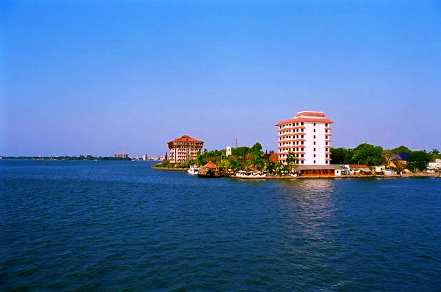 Willingdon_Island_Cochin_Kerala3_large
